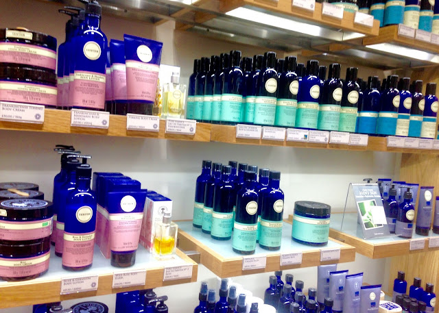 neals yard remedies blogger event organic skincare rose and geranium