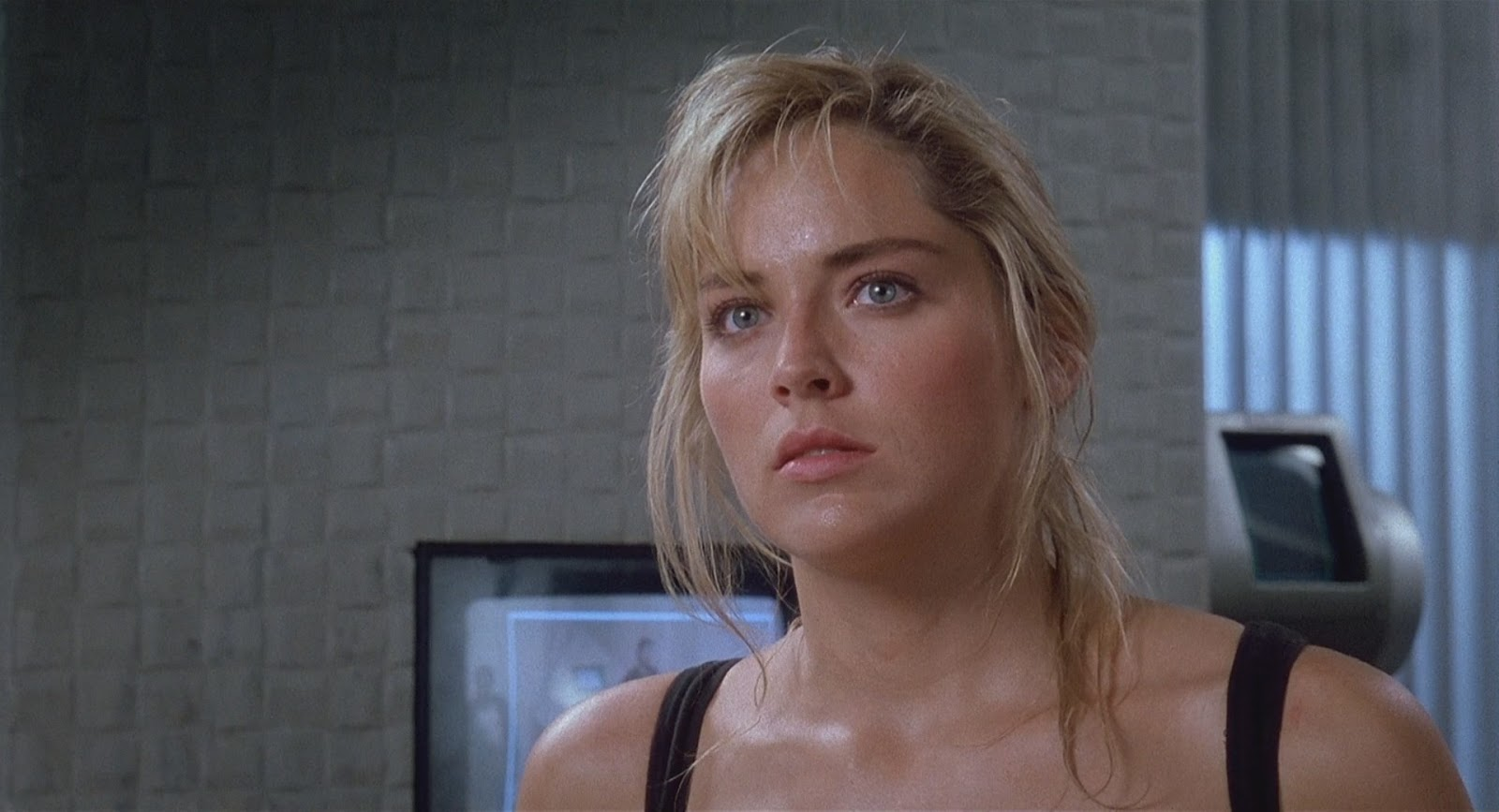 movie review total recall 1990 the ace black blog. Black Bedroom Furniture Sets. Home Design Ideas