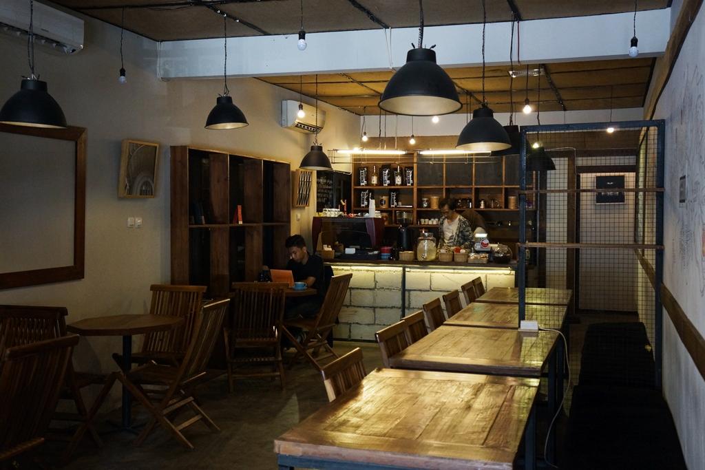 Hegemony Coffee & Eatery, Kopi Made