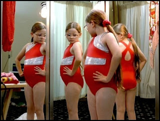 Abigail Breslin en Pequeña Miss Sunshine (Jonathan Dayton y Valerie Faris, 2006)