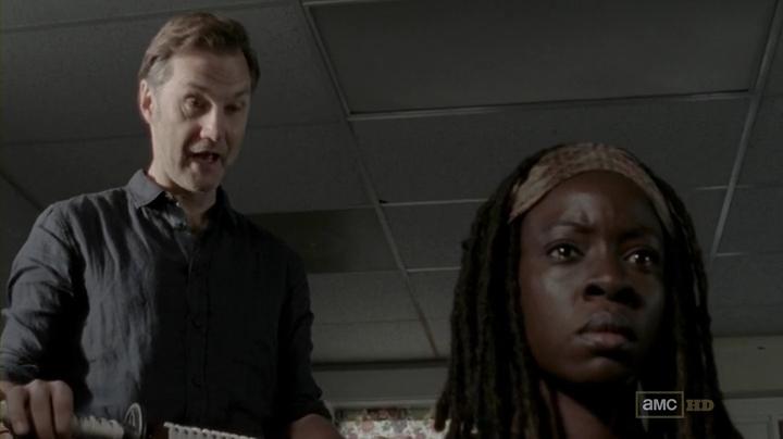 Michonne y el Gobernador en The Walking Dead 3x05