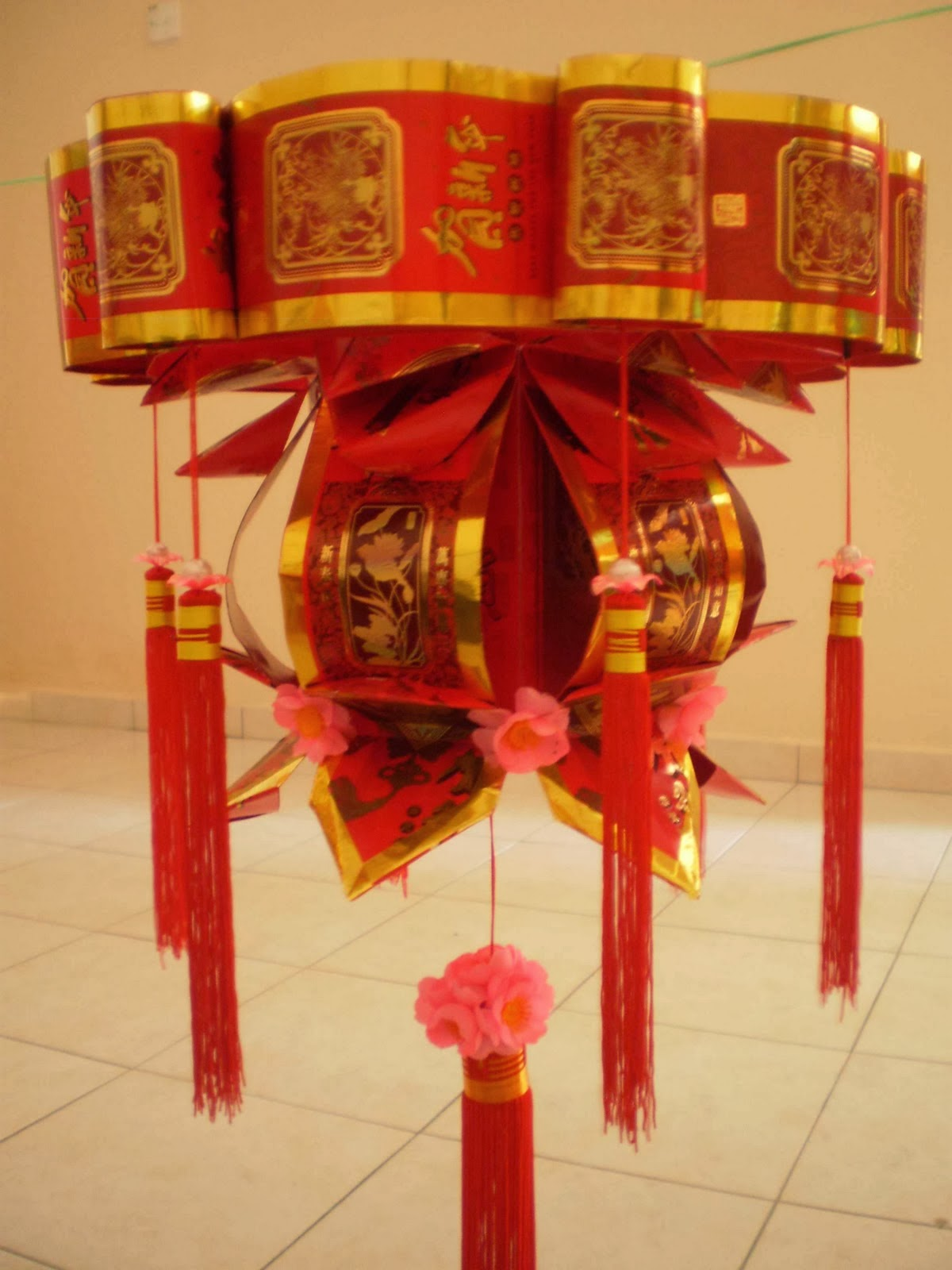 Diy chinese new year lantern the idea king for Ang pao decoration