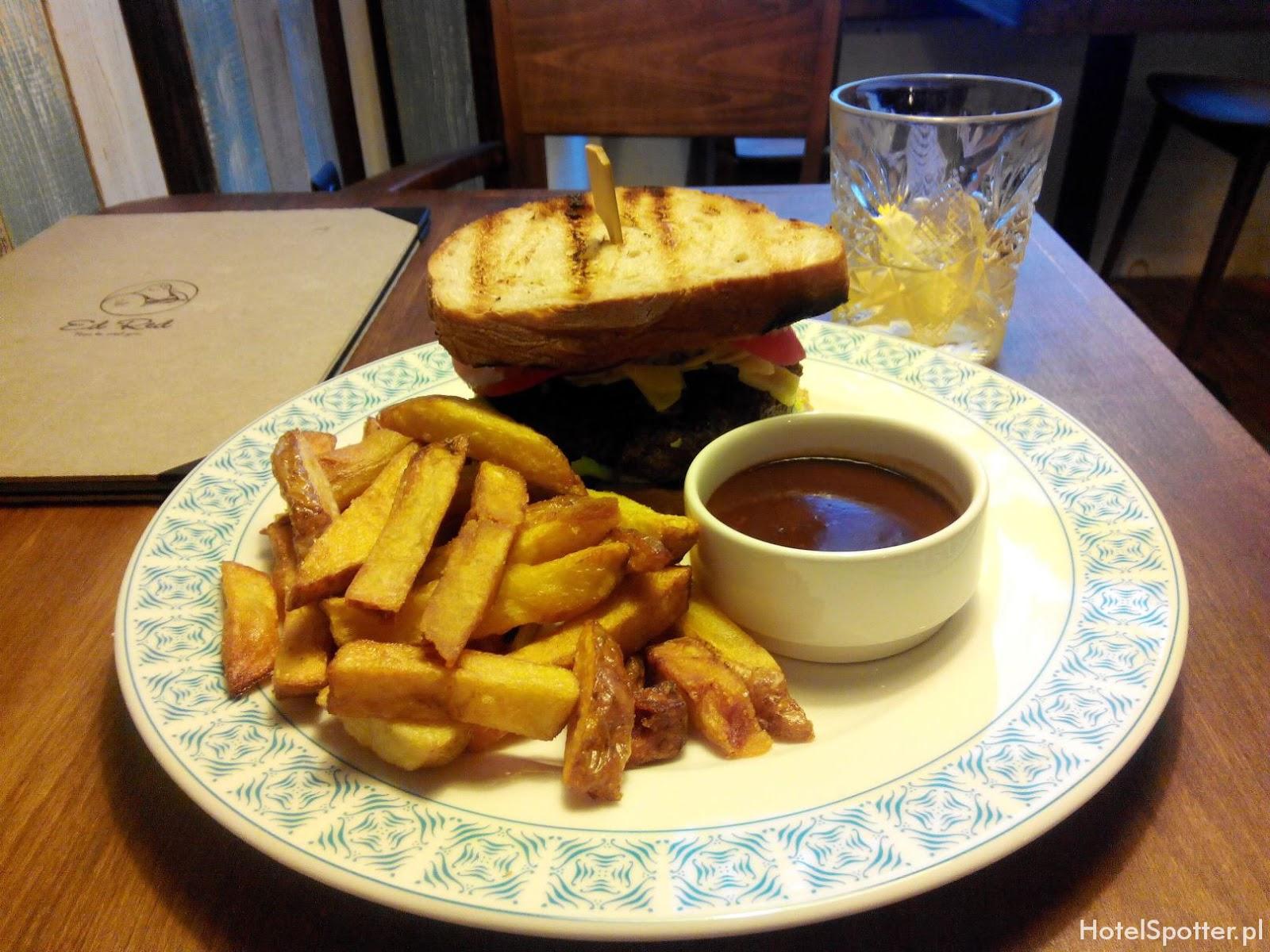 Ed Red Krakow - Burger Eda z frytkami i sosem
