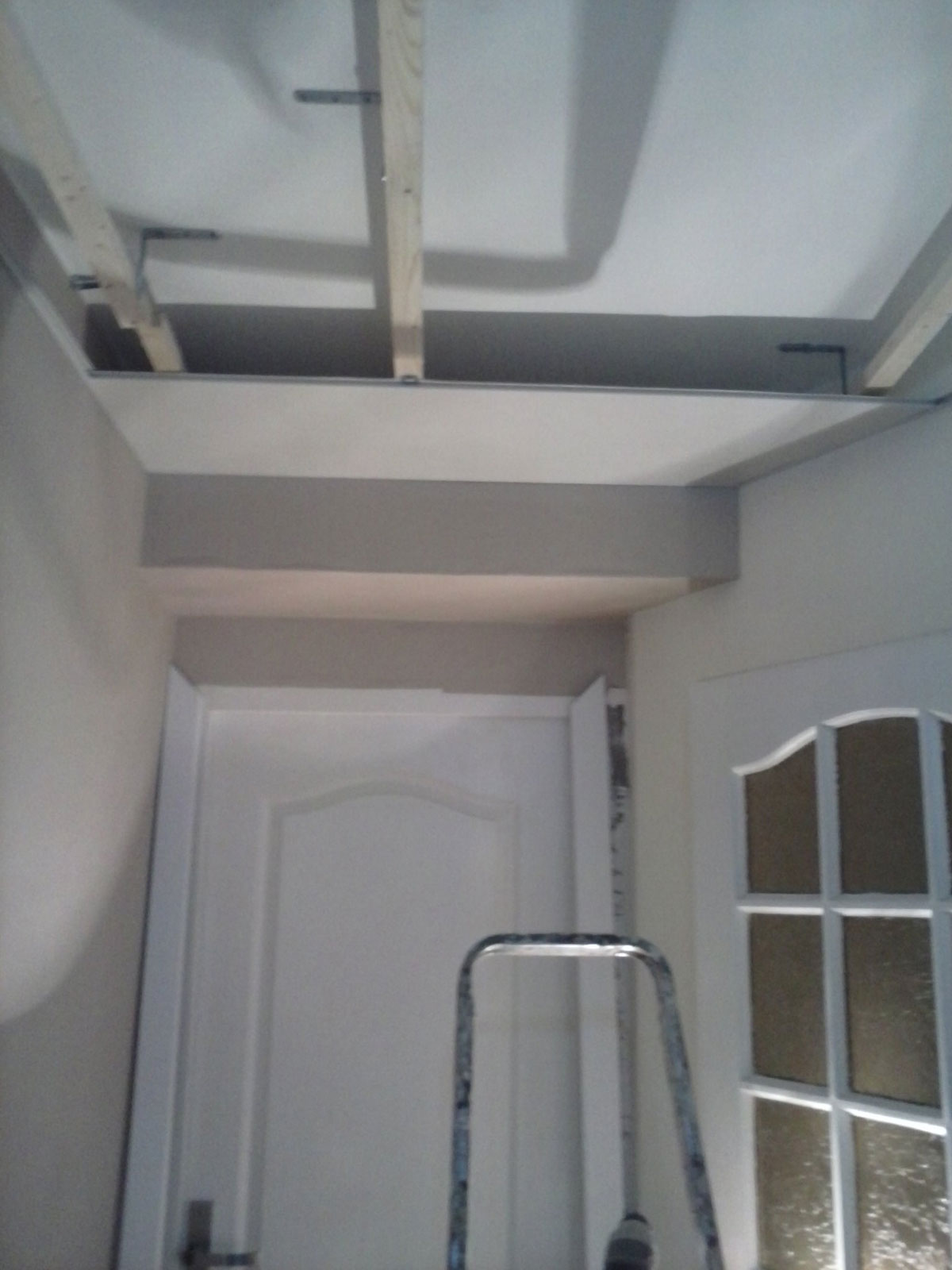 R novation de ma maison transformation d 39 un couloir for Pose d un plafond en lambris pvc
