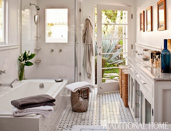 Mix and chic home tour a designer 39 s relaxed and timeless for Megan u bathroom tour