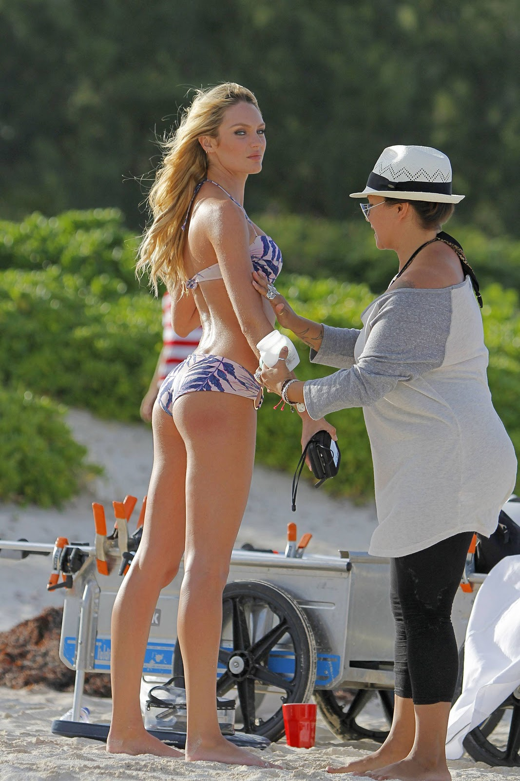 Models Inspiration Candice Swanepoel In StBarts 2012 HQ