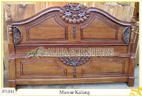 Tempat tidur ukiran kayu jati Mawar Kalung