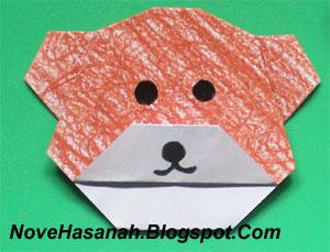 cara melipat kertas origami untuk membuat origami wajah beruang. Origami wajah beruang ini sangat cocok untuk diajarkan untuk anak-anak yang duduk di kelas rendah (1, 2, dan 3) SD.