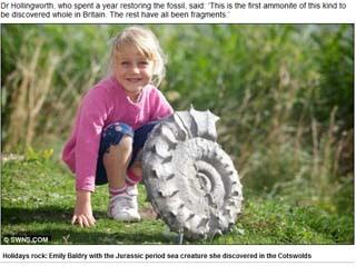 玩沙挖出史前海洋生物 英5歲女童發掘侏儸紀菊石