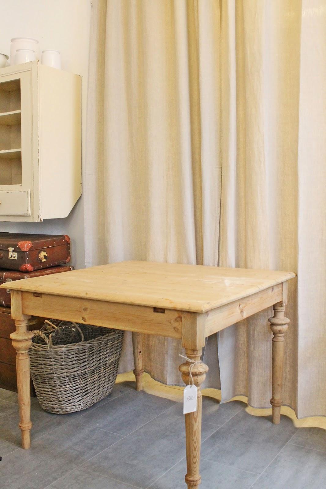VIBEKE DESIGN: Kan vi ikke bare ha et VANLIG kjøkkenbord !