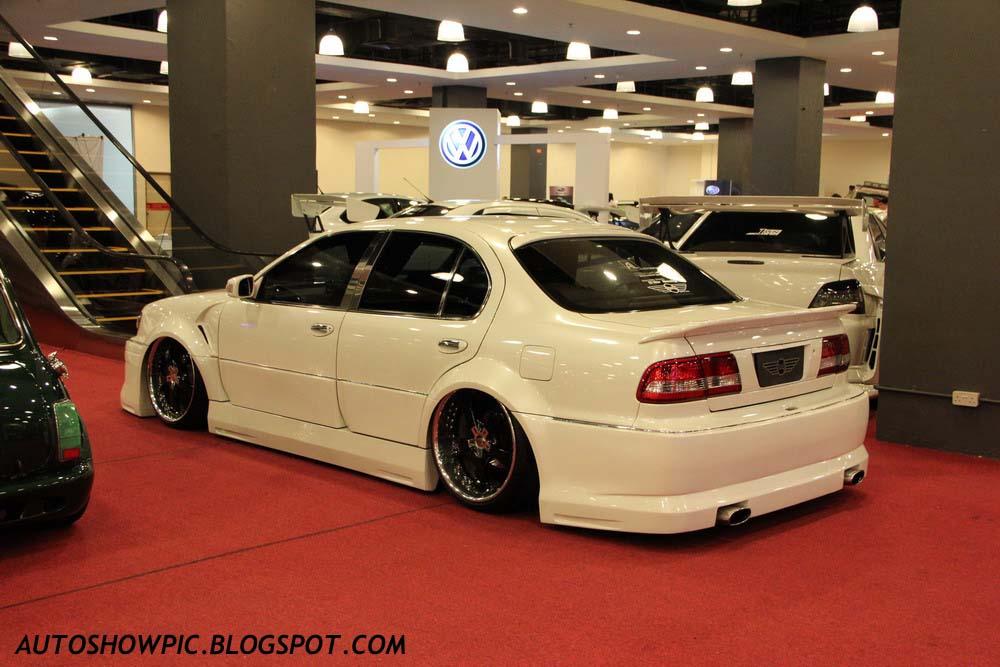 VIP Style Cefiro A32 rear view
