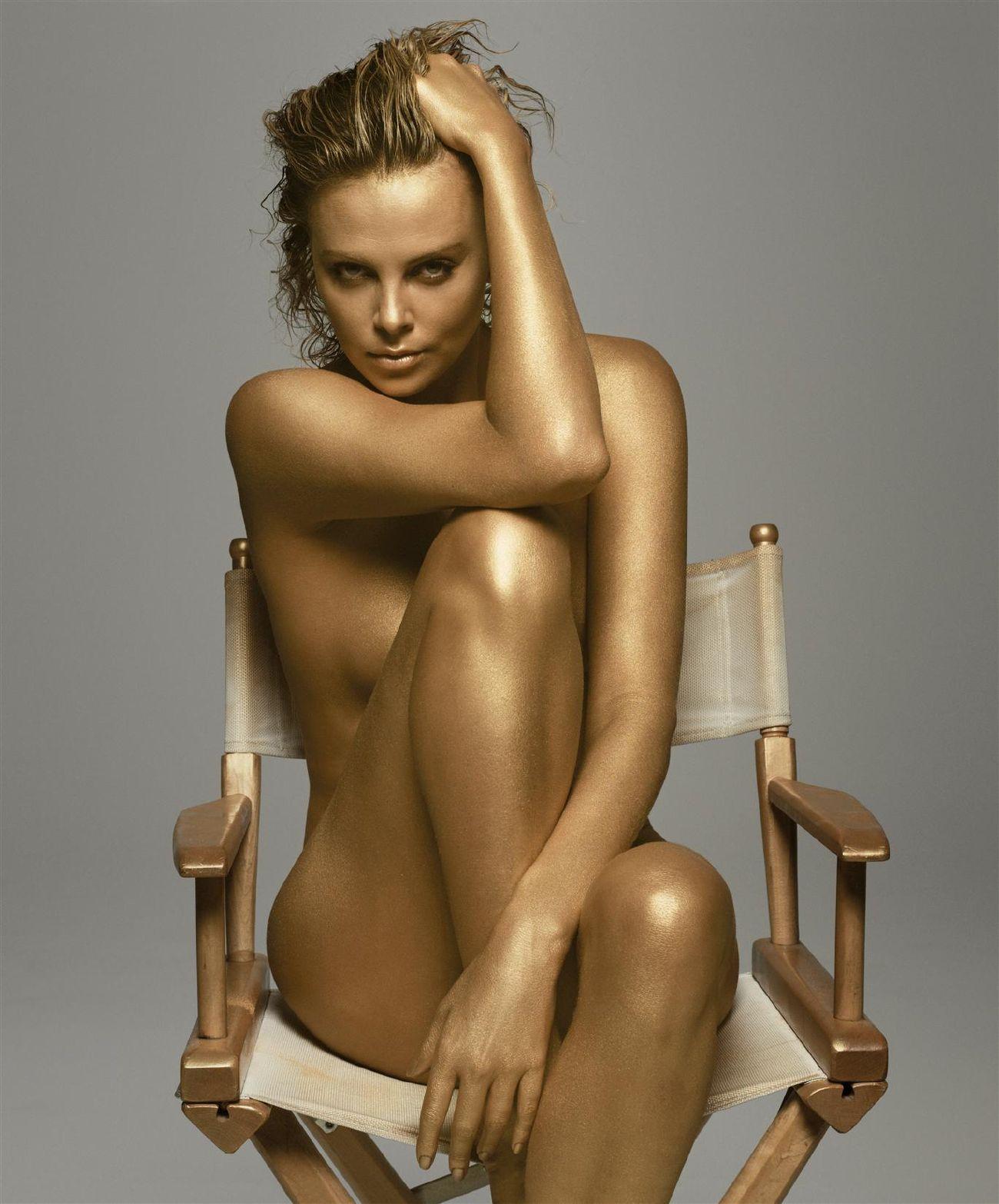http://2.bp.blogspot.com/-cOxVJbWYR5I/ThGwVAYAFoI/AAAAAAAABZU/9wVH4KeF6zM/s1600/charlize-theron-nude-telanjang-ML62.jpg