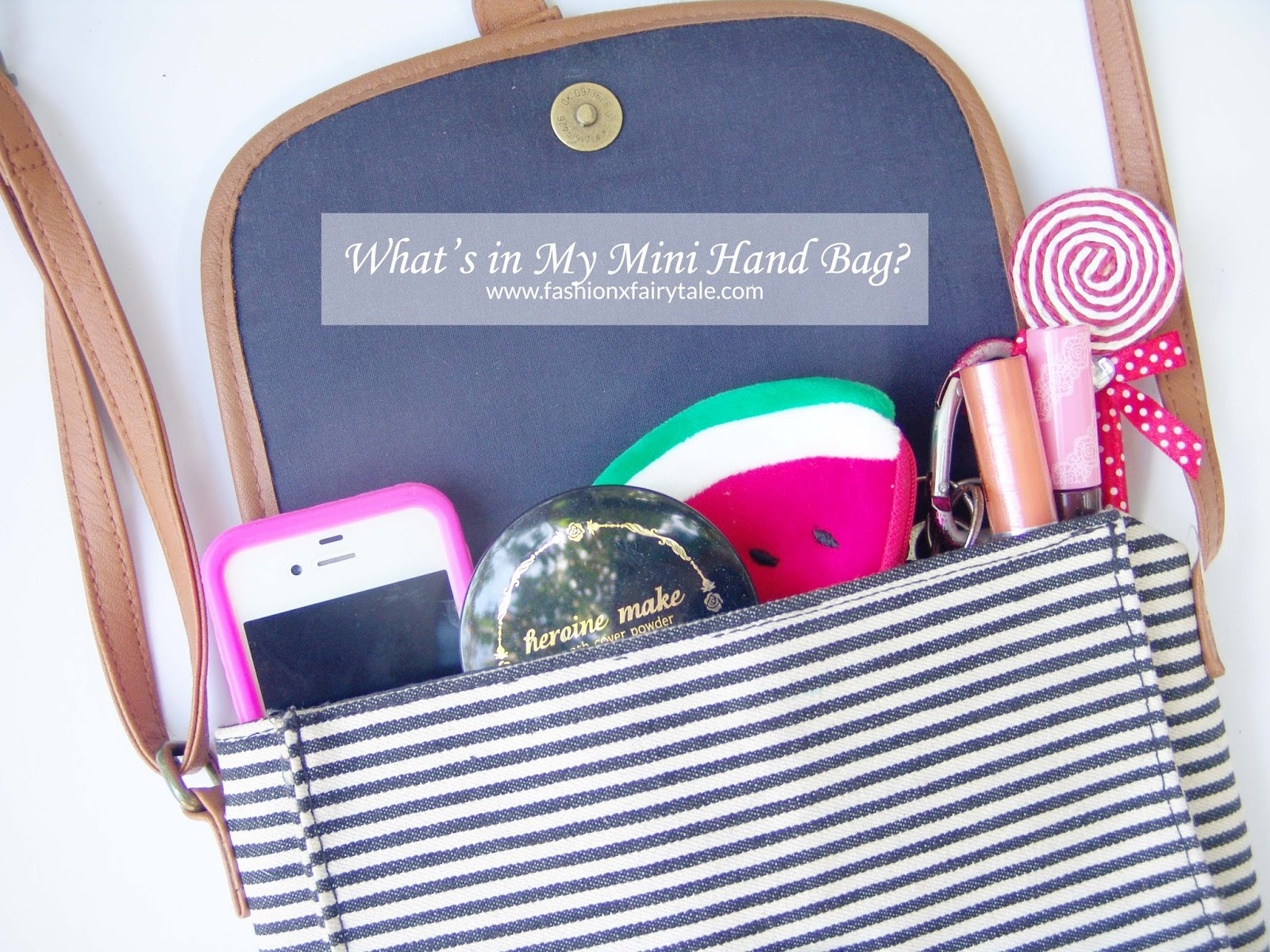What's in My Mini Hand Bag?