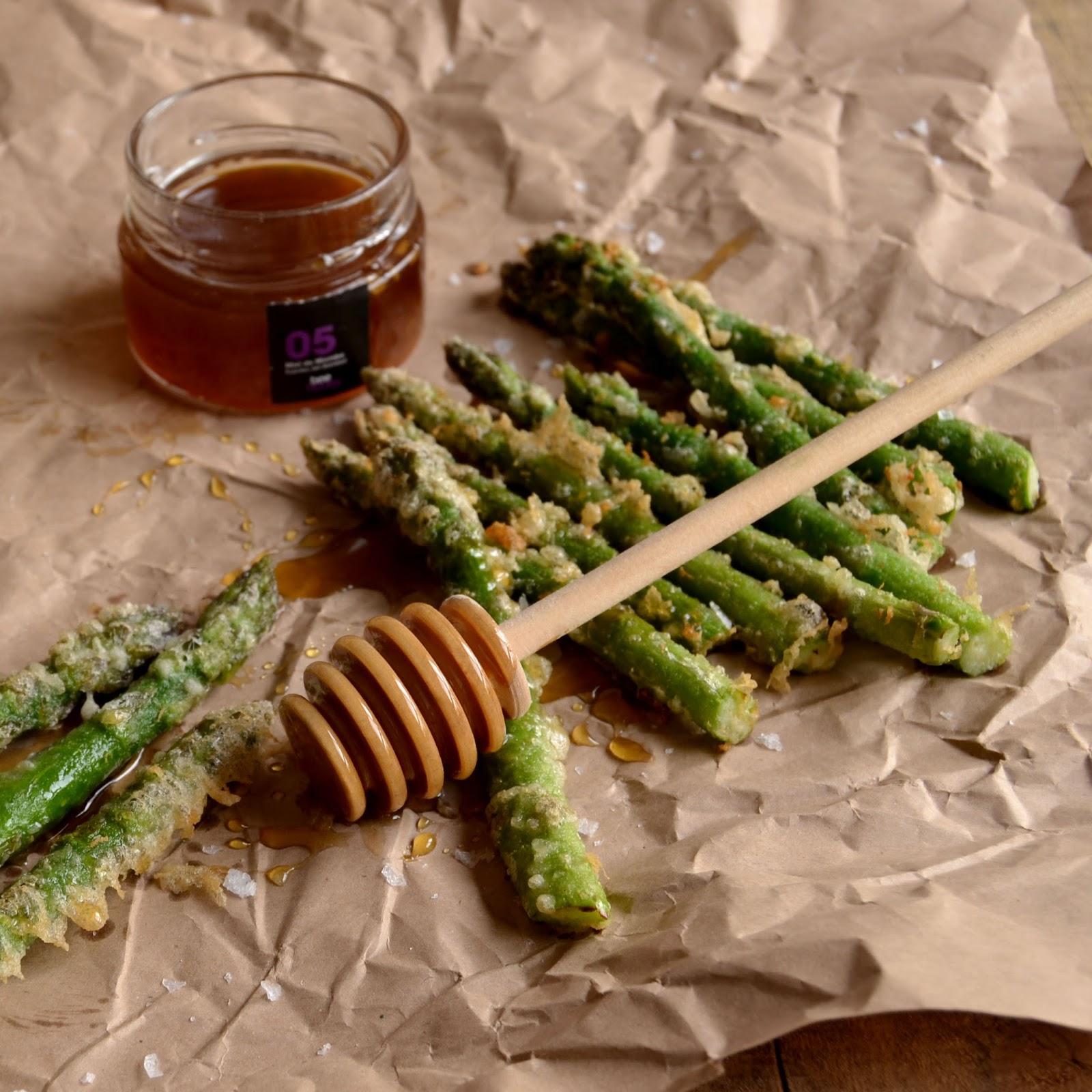 Contigo en la playa esparragos en tempura con miel de for Cocinar esparragos