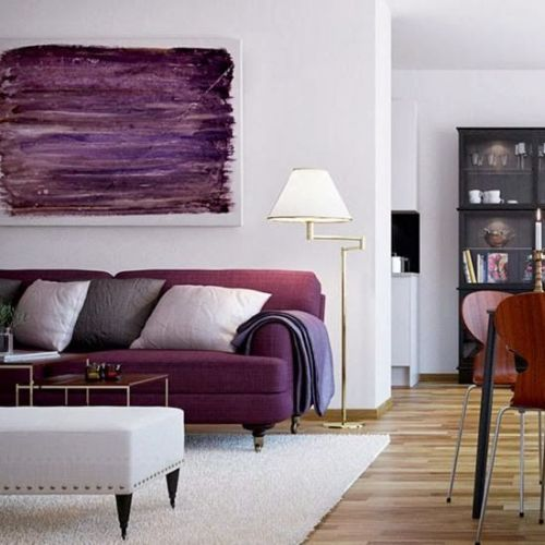 fabulous and deep Pantone Radiant Orchid living room decoration
