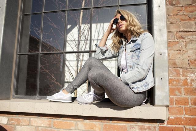 Grey Nike sneakers, Bench leggings, athletic fashion