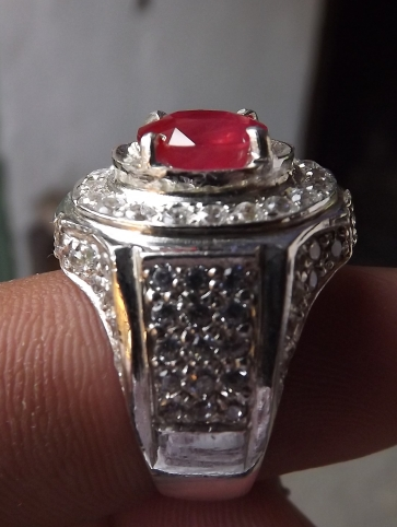 reddish orange sapphire