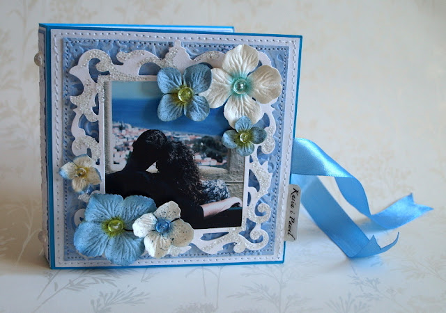 memories_ handmade wedding card with Sizzix Framelits Die Set - Frame, Ornate #657560 _kartka książka z portretem_mikrogranulki_prima flowers