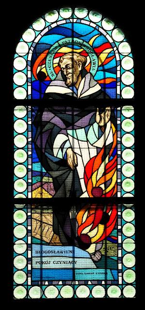 Błogosławiony Czesław od kul ognistych, witraż w kościele św. Bonifacego na Nadodrzu