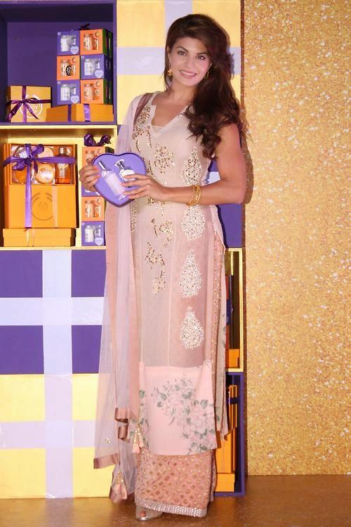 Jacqueline Fernandez Celebrates Diwali With Underprivileged Children At Pacific Mall