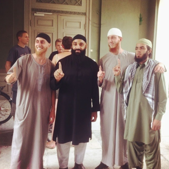 glostrup muslim Outlandish, a danish based rap group is made up of three members: two of them are muslims waqas ali qadri from pakistan, isam bachiri from morrocco, and lenny martinez from honduras, who says he is a roman catholic.
