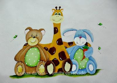 fralda para menino com pintura de ursinho, girafa e coelho
