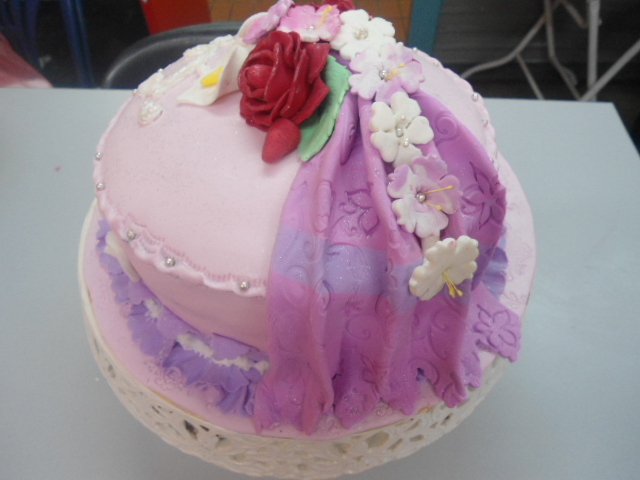 PG CakeCraft: FONDANT CAKE DECORATING CLASS ON 31st MARCH 2012
