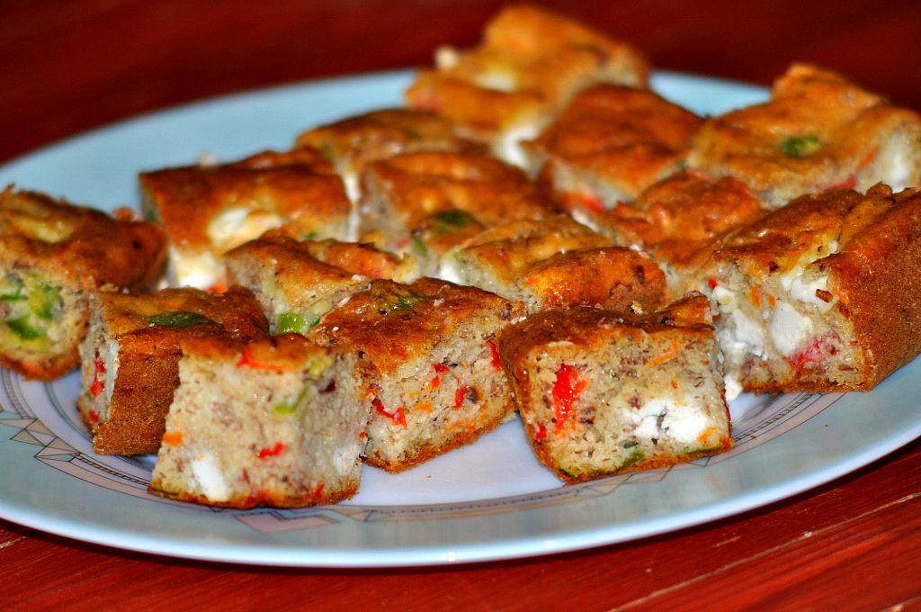 Food addict cake sal l 39 amande au ch vre frais et aux petits l gumes - Recette cake sale vegetarien ...