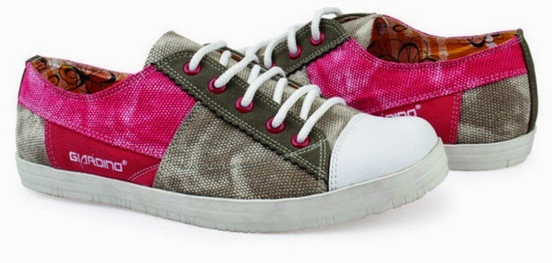 Sepatu: Sepatu Kets Abu Pink Putih
