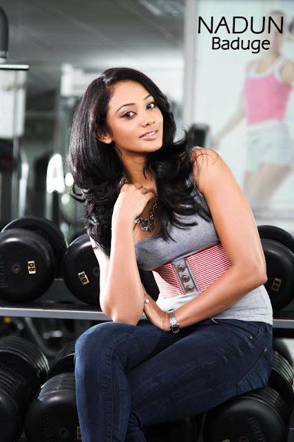 Sri Lankan Hot Model Yureni Noshika At The Gym