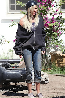 Ashley Tisdale Filming Sons Of Anarchy