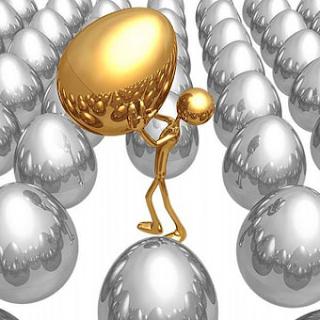 ماهو هرمون التستوستيرون - الهورمونات - رجل ذهبى يحمل بيضة ذهبية - golden man carrying gold egg