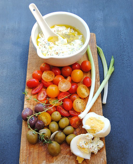 low carb snacking cottage cheese  herb   olive oil