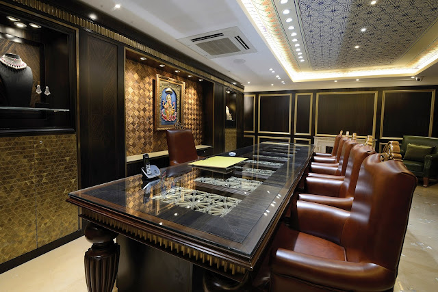 Feature sunar jewels a house of luxurious and awe for Jewellery showrooms interior designs