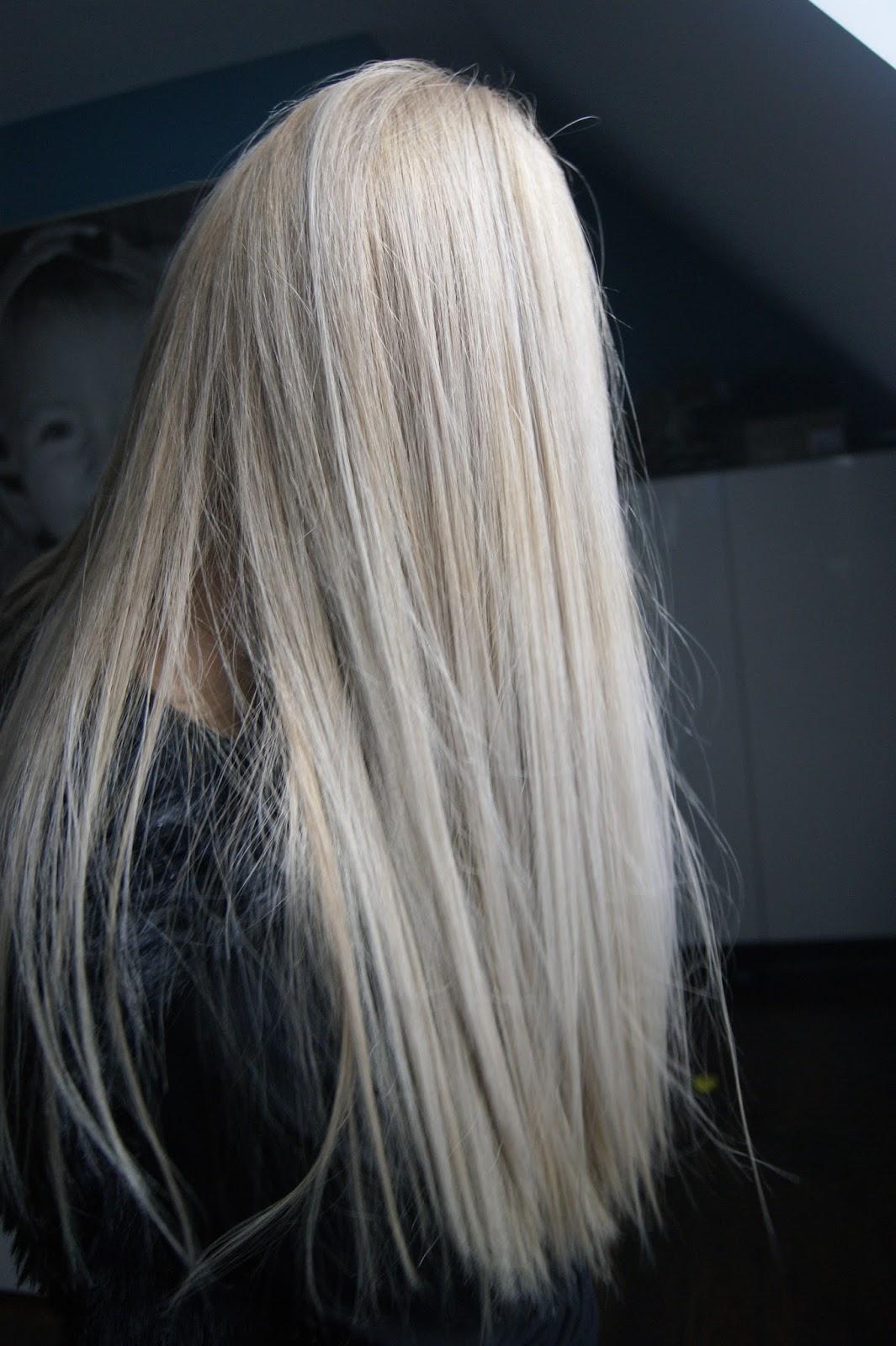Perłowy Chłodny Blond Pauli 3 Andy Solecki Hair Artist