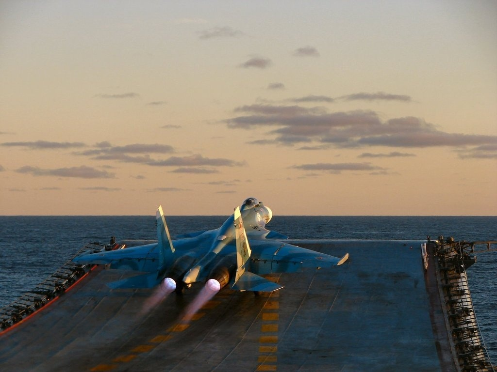 Global Federation International News Network! - Page 10 Russian+aircraft+carrier+Admiral+Kuznetsov+Kuznetsov+Class+%2528Type+1143.5%2529+Aircraft+CarrieR+SU-33+K+MIG-29K+PAK+FA+LANDING+TAKOFF+DECK+%25288%2529