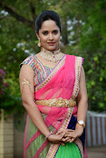 Anasuya photos in half saree-thumbnail-3