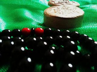 prayer___by_yahassan-d3f7wox.jpg
