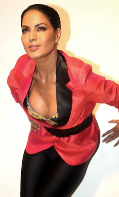 veena malik sizzling to support homosexuality unseen pics