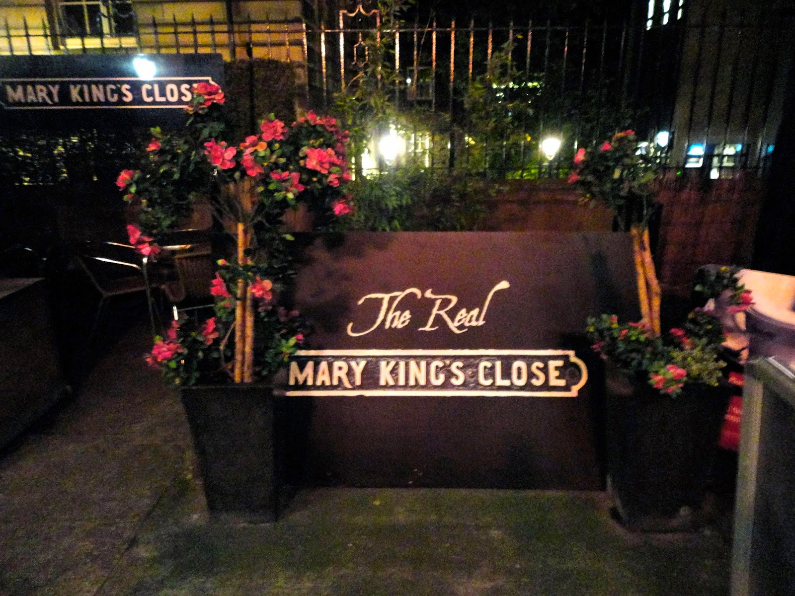 The Real Mary King's Close sign in Edinburgh