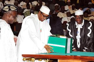 President Buhari presenting the 2016 Budget