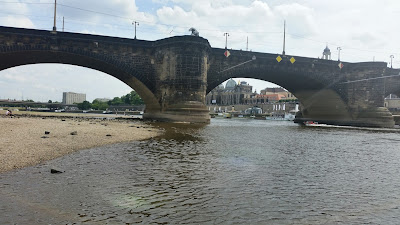 Elbe in Dresden zum Dredner Stadtlauf