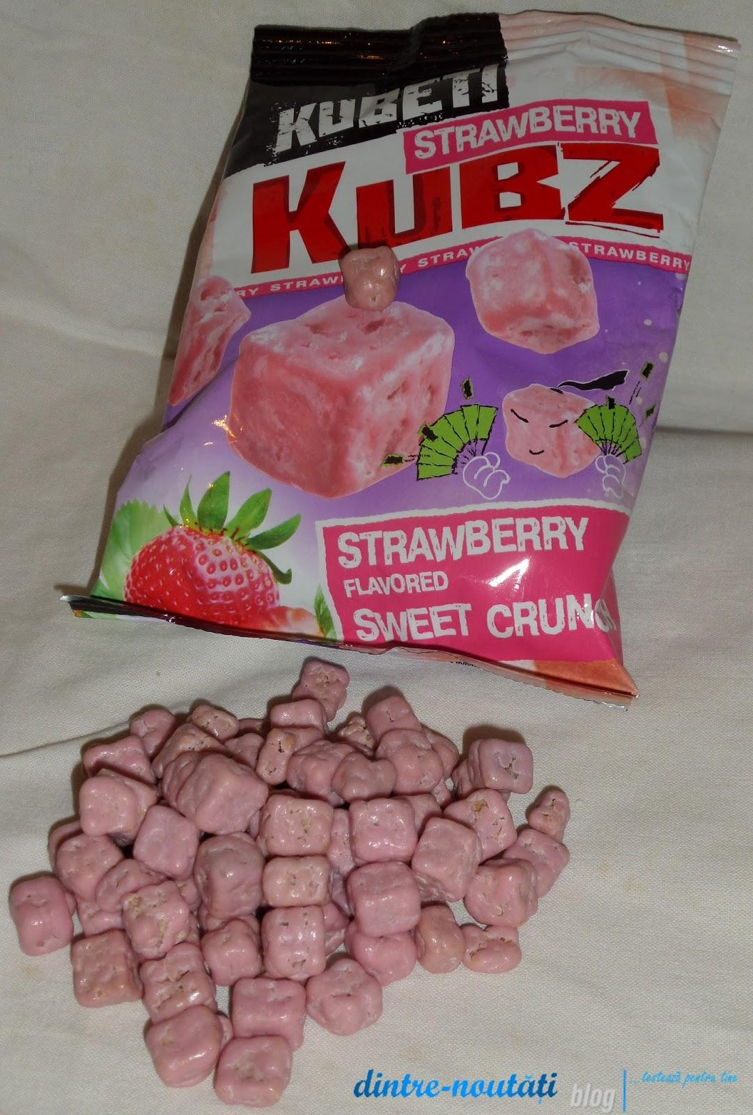 Cuburi din pâine de grâu și secară coapte cu ciocolata glazură cu aromă de căpșuni