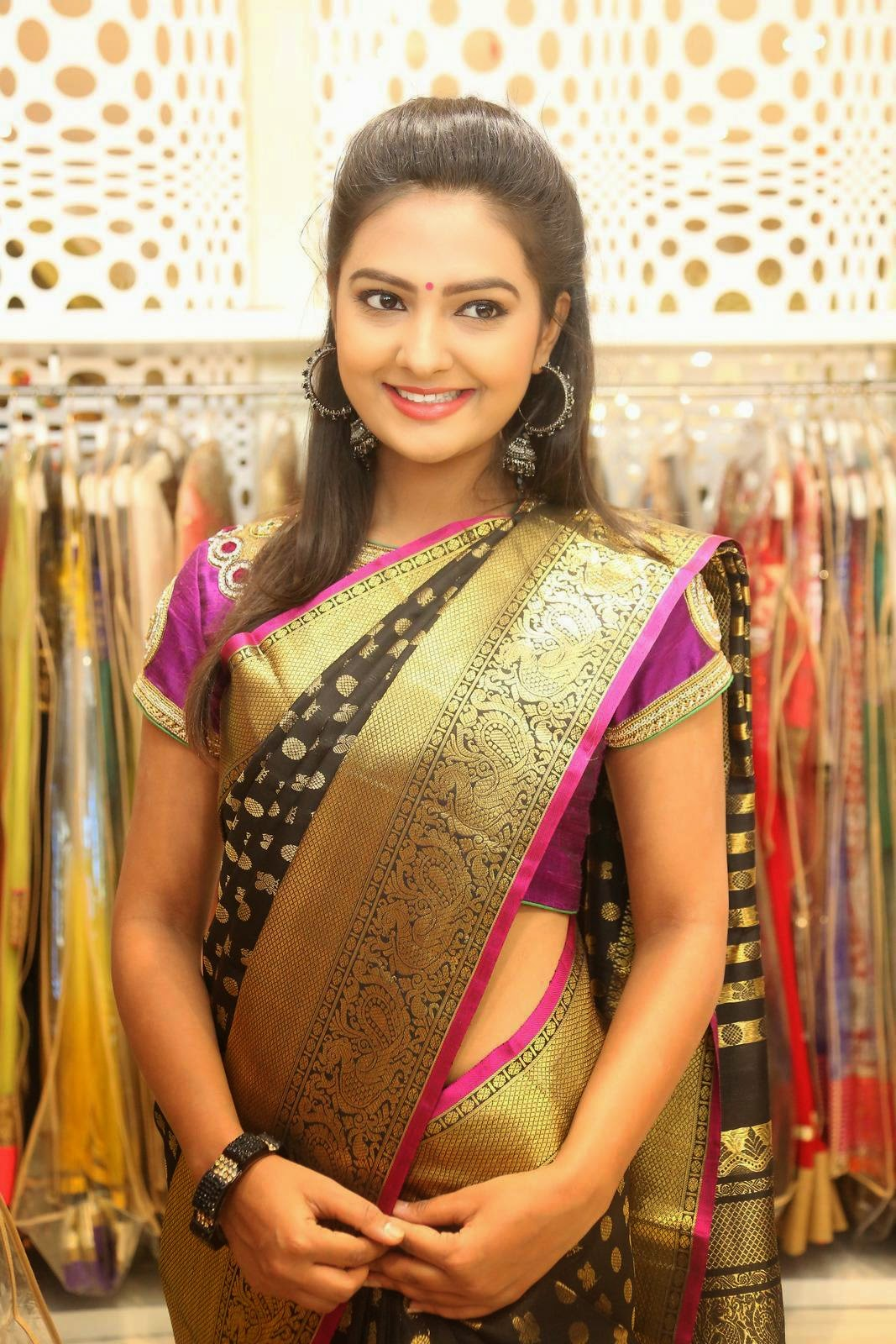 Actress Neha Deshpande Latest Cute Hot Saree Navel Show Spicy Photos Gallery At Trisha Boutique Wedding Collection Launch