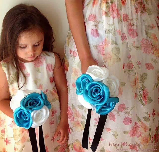 Bridal party bridesmaids bouquets