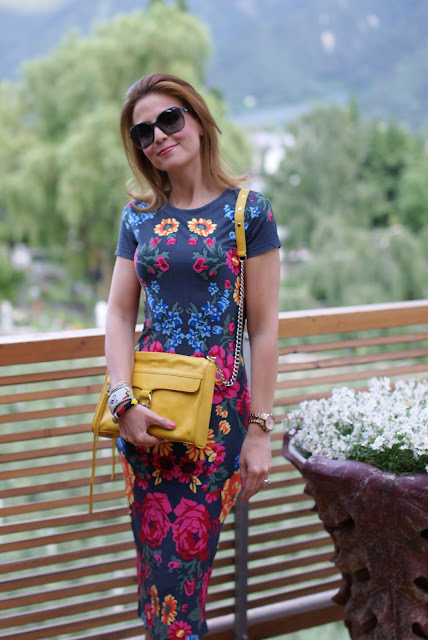 Asos bodycon dress, MAC yellow bag, Fashion and Cookies