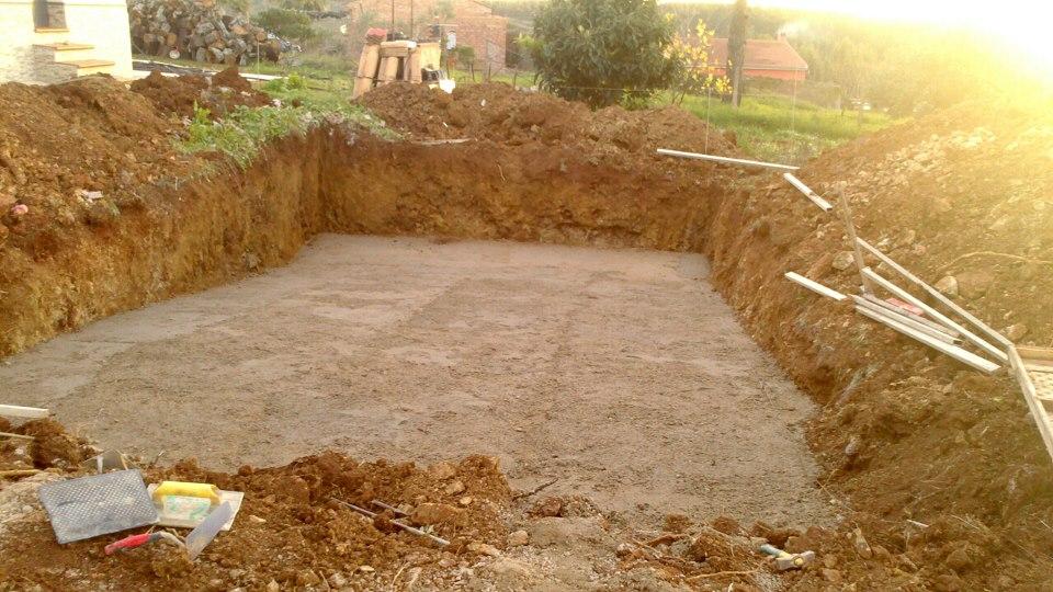 Construcciones rudi piscina de hormig n for Como hacer una piscina de hormigon