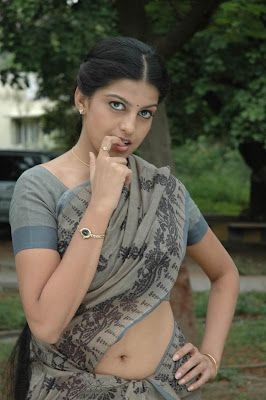Actress Gulmi Hameed Hot Photos
