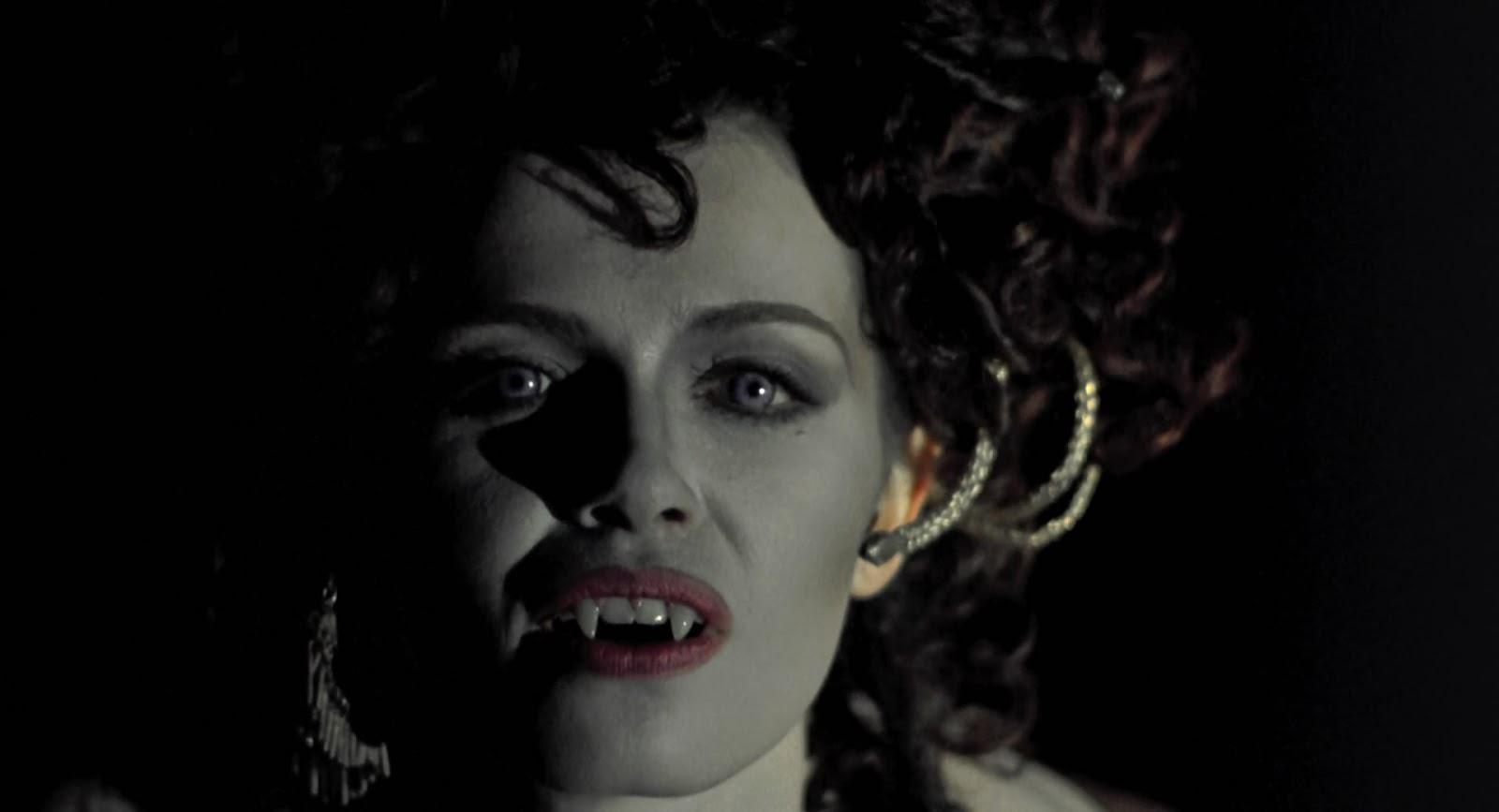 Love Song for a Vampire — Annie Lennox   Last.fm