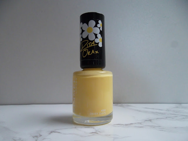 http://www.verodoesthis.be/2015/08/julie-friday-nails-51-yellow-daisy-days.html